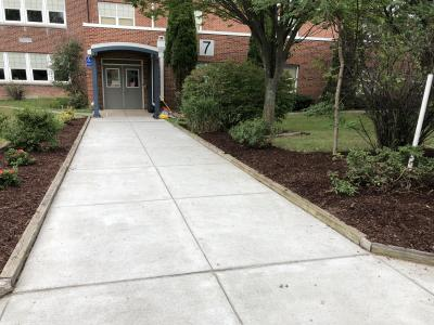 Check out this clean, beautiful entrance to HMS!